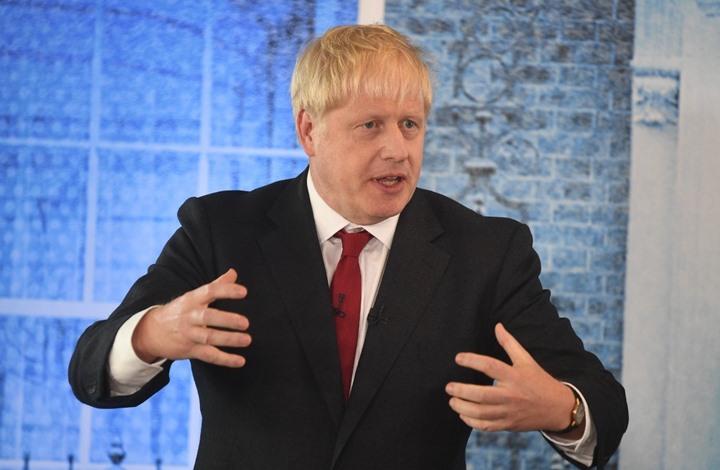 جونسون يصارح البريطانيين.. وتحذير من إغلاق يستمر 3 أشهر