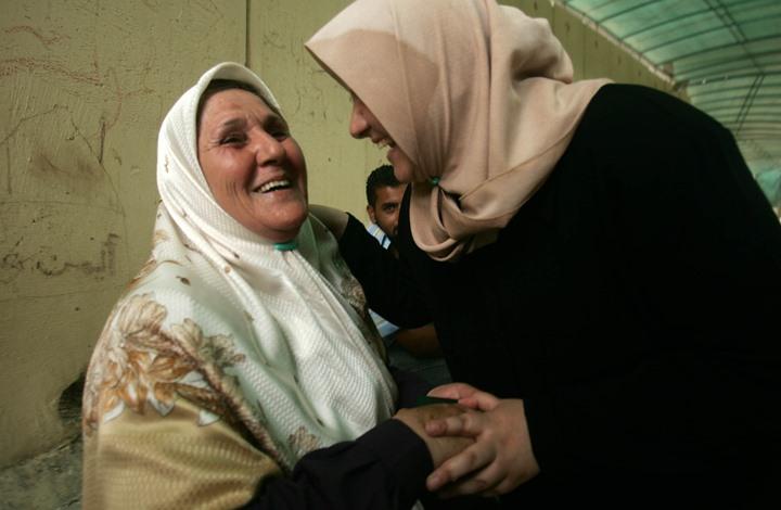 """احتفاء بجدات فلسطين.. تويتر في أمريكا يشتعل بـ""""ستّي"""" (شاهد)"""