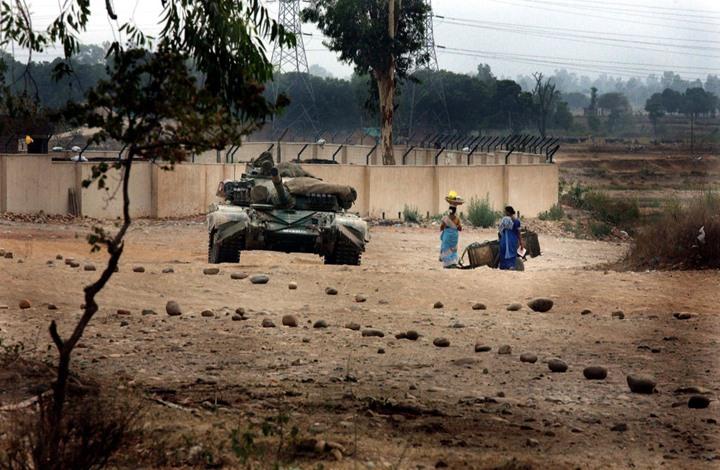 قوات هندية تقتل جنديا باكستانيا وامرأتين بكشمير.. وأزمة جديدة