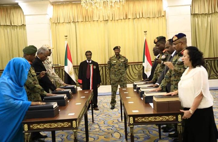 العضو الـ11 في المجلس الرئاسي يؤدي اليمين أمام البرهان