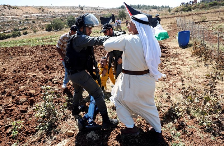 """""""حلوا عنا"""" أغنية لفنان فلسطيني على قناة فلسطيني (شاهد)"""