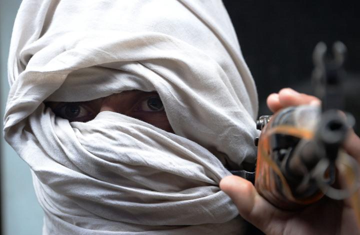مسؤول أفغاني: محررون من طالبان عادوا إلى حمل السلاح