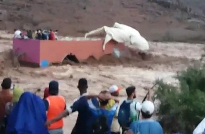 غرقى ومفقودون في فيضان دمر ملعبا جنوب المغرب (شاهد)