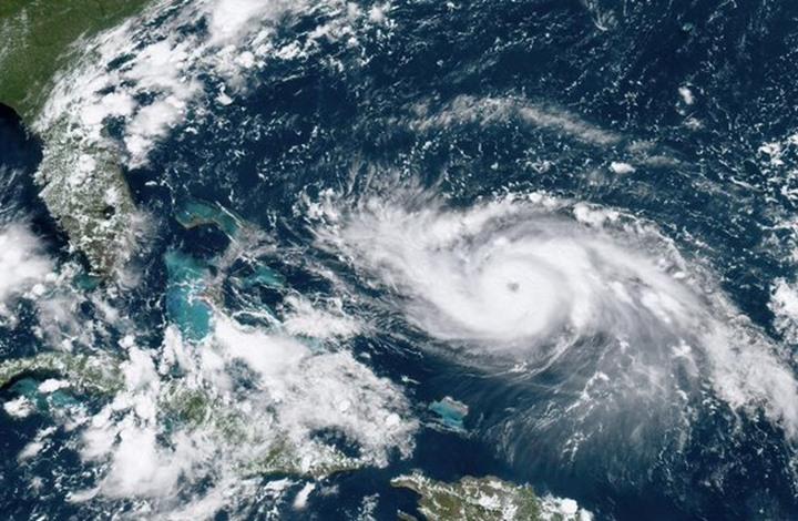 """الإعصار """"دوريان"""" يشتد وينتقل إلى الفئة الخطرة جدا"""