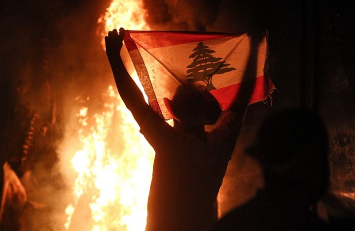 لبنانيون: أين آل سعود وخيراتهم؟.. وأمير يرد