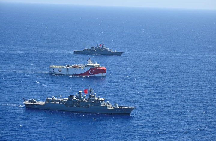 تركيا تمدد لمهمة مسح في شرق المتوسط حتى 4 نوفمبر