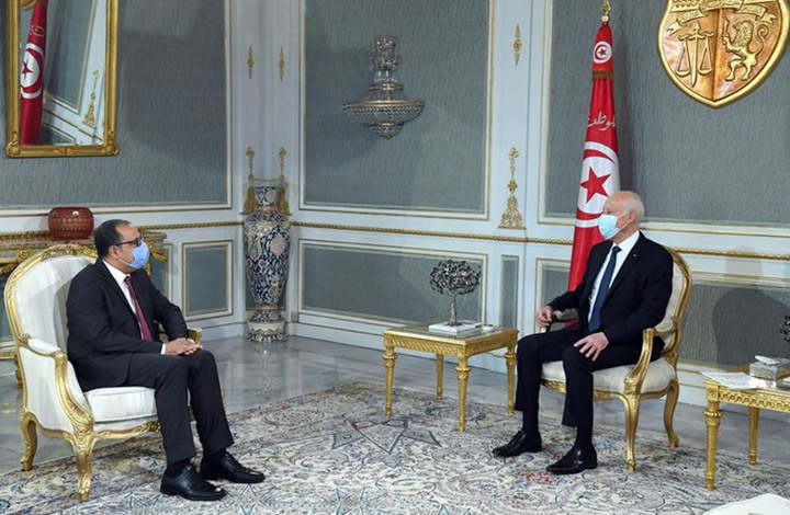 """انتقادات بعد """"توبيخ"""" سعيّد للمشيشي بسبب رموز بن علي"""