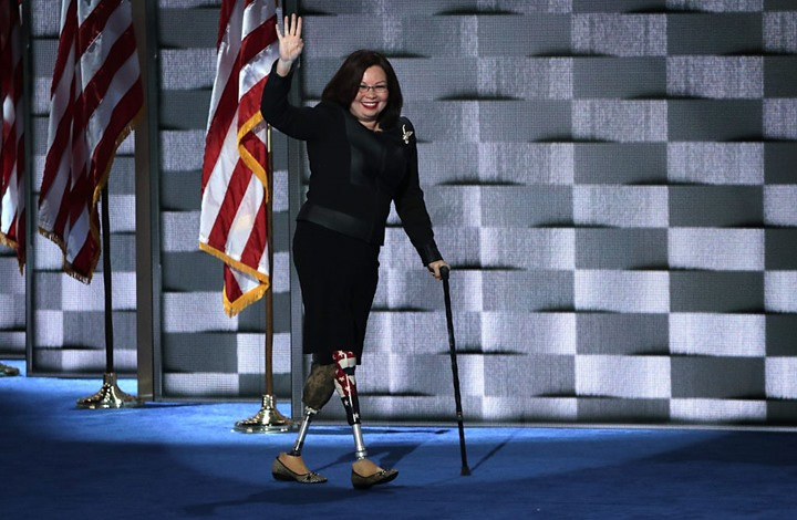"هذه ""داكوورث"".. مرشحة لمنصب نائب بايدن فقدت ساقيها بالعراق"