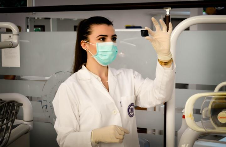 700 ألف وفاة بكورونا حول العالم.. وتجارب جديدة للقاح