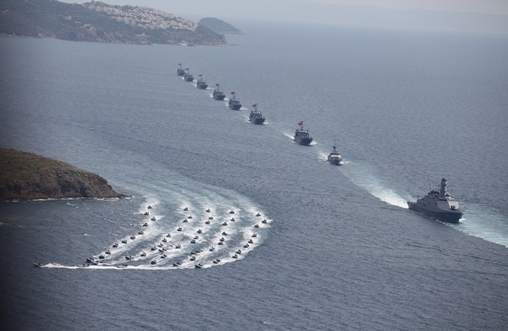تركيا تحشد أسطولا حربيا بالمتوسط بعد اتفاق اليونان ومصر