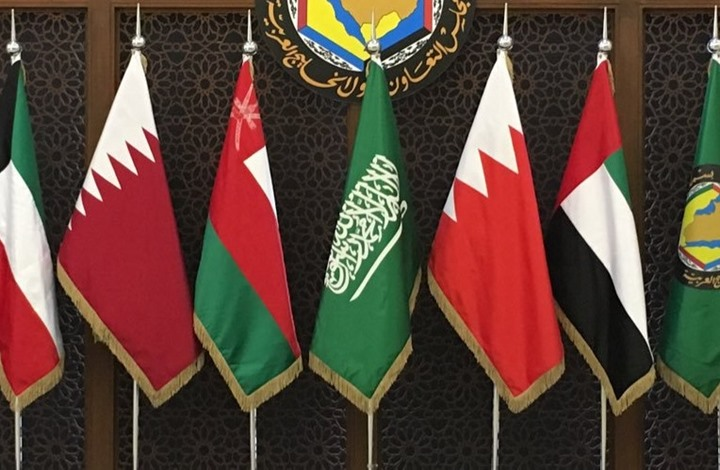 أنباء عن حراك خليجي وانفراجة قريبة في الأزمة