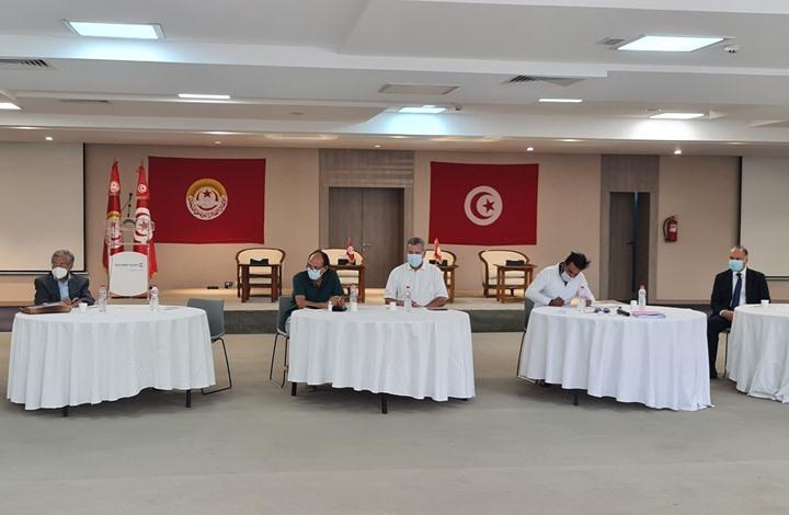 اتحاد الشغل يجهز خارطة طريق لتونس.. انتقادات وشكوك