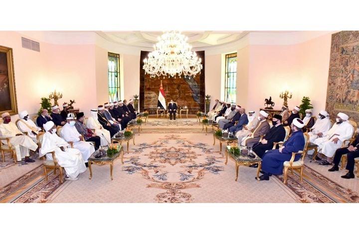 السيسي يدعو علماء الأمة للتصدي للأفكار المغلوطة عن الإسلام