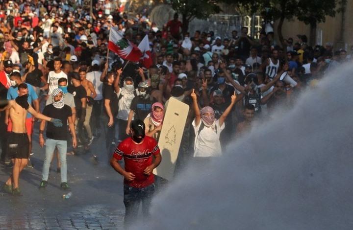 عشرات المصابين في مواجهات بين محتجين والأمن اللبناني
