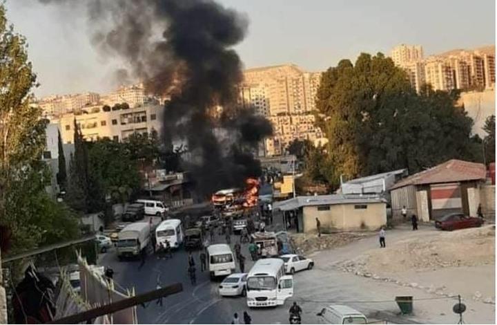 قتيل وإصابات في انفجار بحافلة لقوات النظام بدمشق