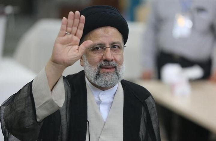 الرئيس الإيراني يطالب بمغادرة القوات الأجنبية لسوريا