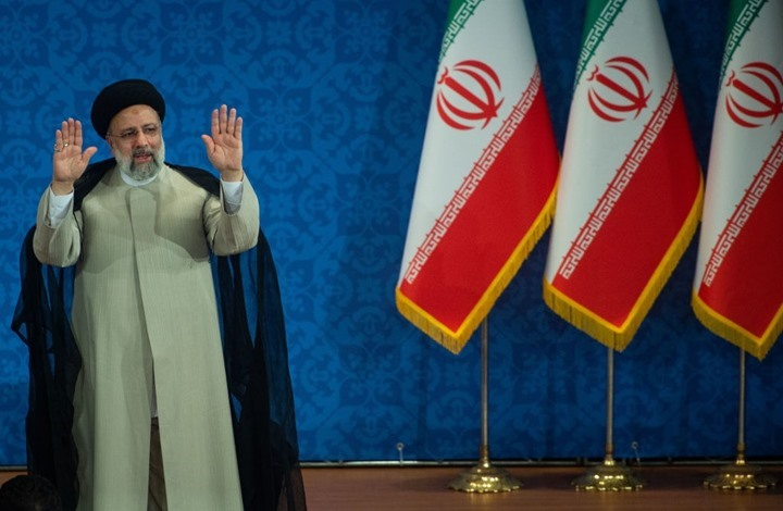 """كاتب إسرائيلي: إيران تبتزنا بـ""""النووي"""" وحكومة بينيت صامتة"""