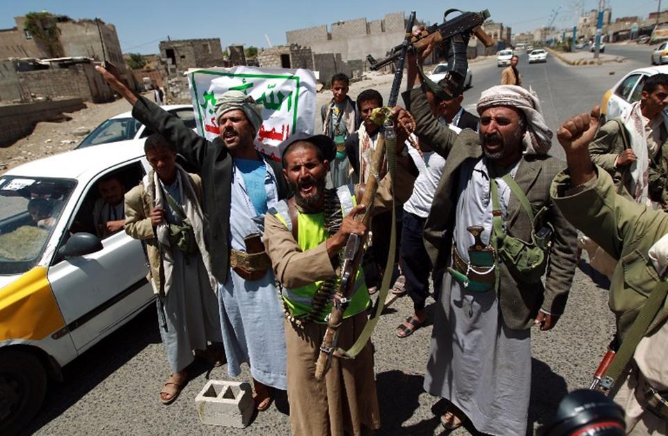 رئيس الحكومة اليمنية يتهم إيران بتدريب 6 آلاف مقاتل حوثي