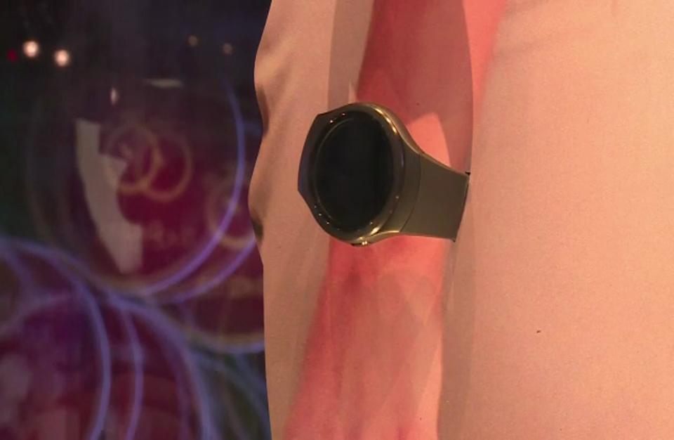 """""""سامسونج"""" تكشف في معرض برلين عن ساعتها الذكية الجديدة"""
