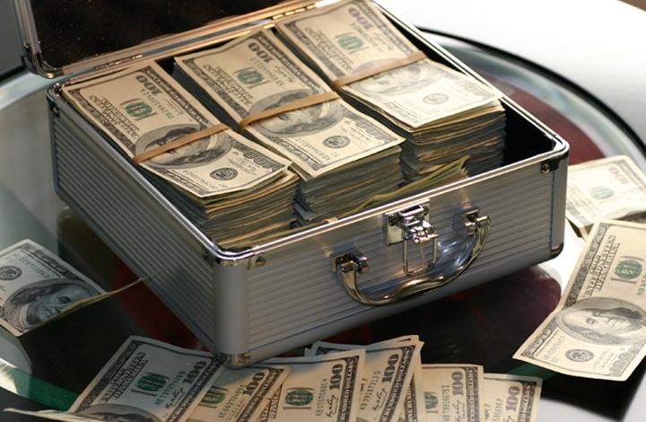 """أغنى 10 عائلات في العالم زادت ثروتها رغم """"كورونا"""" (إنفوغراف)"""