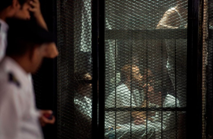 """""""القتل بالأمر المباشر"""".. توثيق مقتل 79 سجينا بمصر في 2020"""