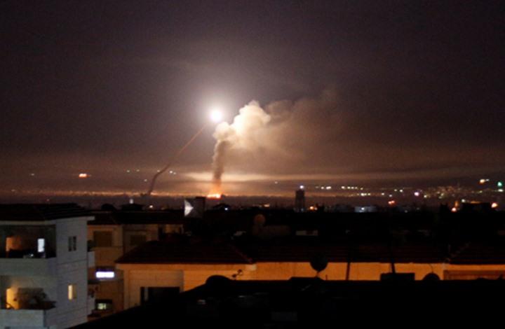 قتلى بغارات للاحتلال على حماة.. ودفاعات النظام تتصدى