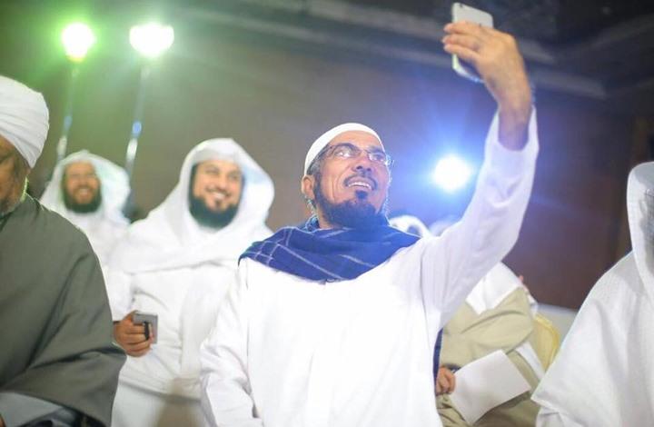 """نجل العودة يعلق على أنباء """"العفو"""" عن والده وبقية الدعاة"""