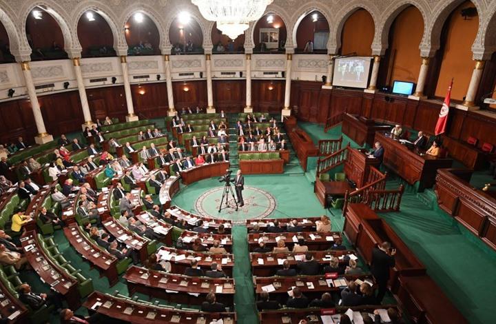 """نواب يستقيلون من نداء تونس ويلتحقون بـ""""الائتلاف الوطني"""""""