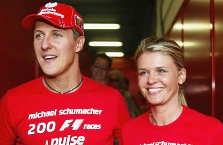 """شوماخر بطل الـ""""فورمولا 1"""" يغادر مستشفى باريس"""