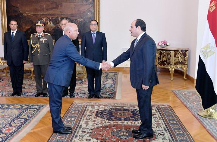"""وزير النقل يغضب المصريين مجددا بعد حادثة """"التذكرة"""" (شاهد)"""