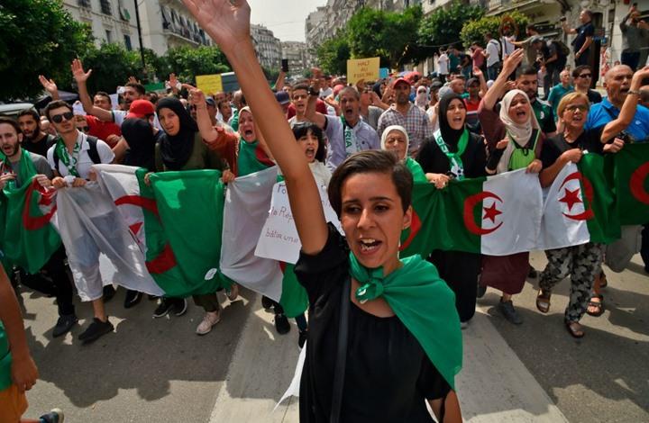 لأول مرة منذ بدء الاحتجاج.. أمن الجزائر يمنع مسيرة طلابية (شاهد)
