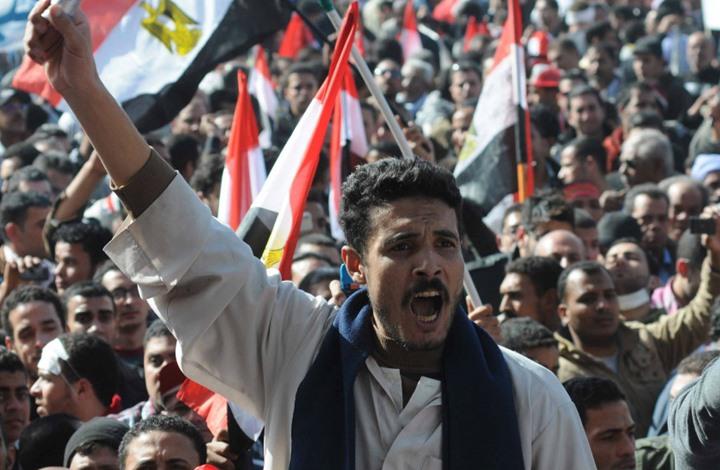 """تجدد المظاهرات بمصر.. وبورسعيد تهتف """"ارحل يا بلحة"""" (شاهد)"""