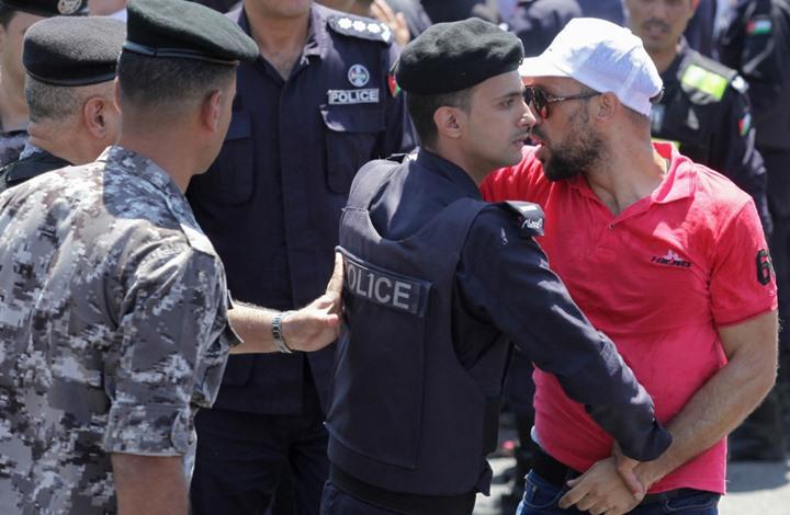 آلاف المعلمين الأردنيين يستعدون لأكبر إضراب عن الطعام