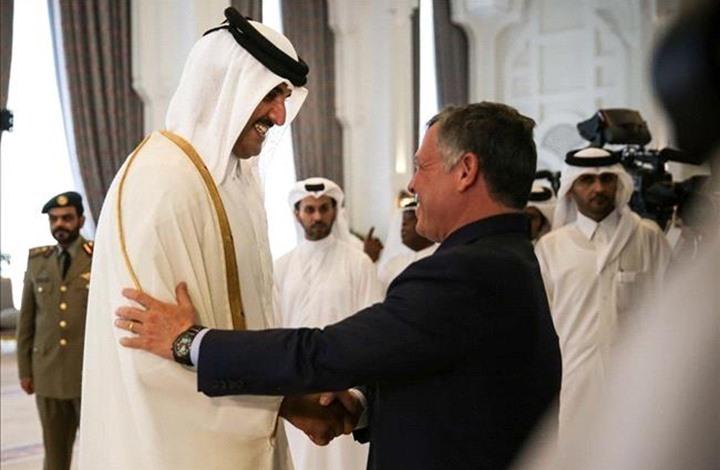 السفير القطري الجديد في عمان يقدم أوراق اعتماده