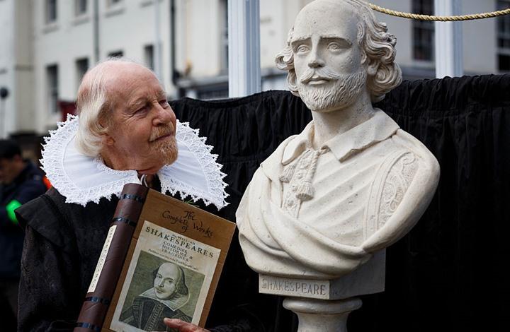مسرحيات شكسبير تسجل رقما قياسيا في مزاد علني بنيويورك