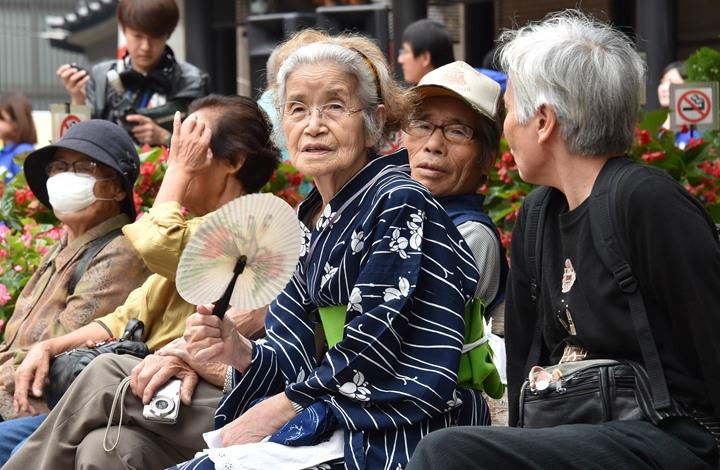 80 ألف ياباني تزيد أعمارهم عن 100 عام 88% منهم إناث