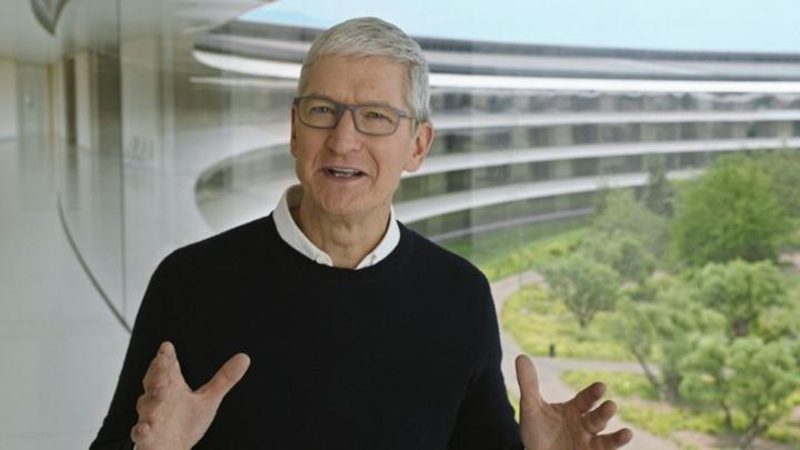 """""""آبل"""" تعرض اشتراكا جديدا وساعة ذكية دون الإشارة لـ""""آي فون"""""""