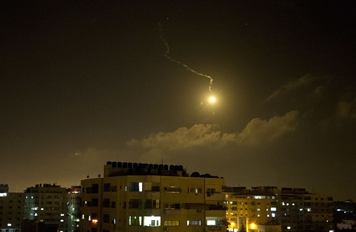 خبراء: حماس وإسرائيل لا تريدان التصعيد رغم إطلاق الصواريخ