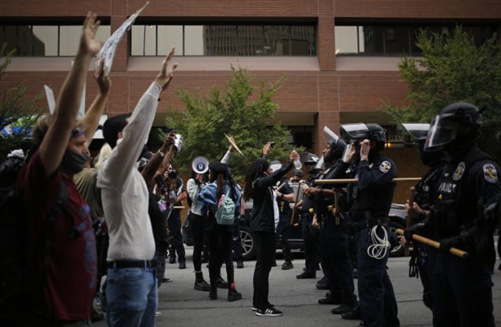 إصابة شرطي أمريكي بالرصاص خلال احتجاجات بمدينة لويفيل