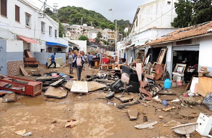 مصرع طفل وغرق أحياء بمدن جزائرية بسبب أمطار رعدية (شاهد)