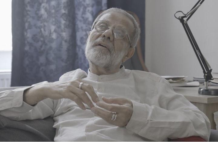 وفاة الكاتب الفلسطيني نصري حجاج.. ترك وصية غريبة لعائلته