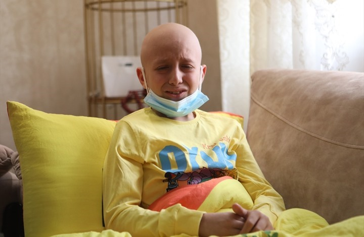 طفل فلسطيني مصاب بالسرطان يروي لحظة اعتقال والده (صور)