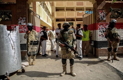 """معارضون مصريون: انتخابات مجلس الشيوخ """"مهزلة"""" كبرى"""