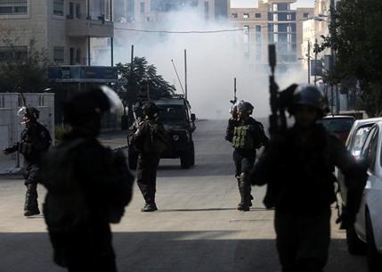 مواجهات متفرقة مع جيش الاحتلال في الضفة - 01- مواجهات متفرقة مع جيش الاحتلال في الضفة -  الاناضول