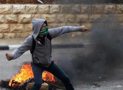 مواجهات متفرقة مع جيش الاحتلال في الضفة - 05- مواجهات متفرقة مع جيش الاحتلال في الضفة -  الاناضول
