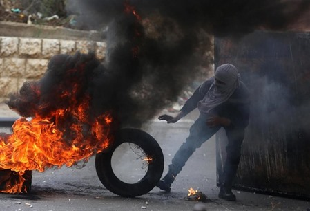 مواجهات متفرقة مع جيش الاحتلال في الضفة - 09- مواجهات متفرقة مع جيش الاحتلال في الضفة -  الاناضول