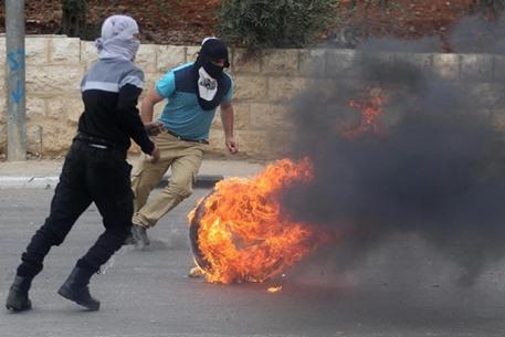 مواجهات متفرقة مع جيش الاحتلال في الضفة - 12- مواجهات متفرقة مع جيش الاحتلال في الضفة -  الاناضول