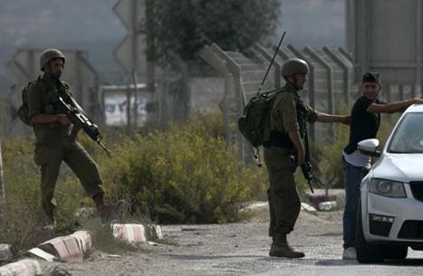 الاحتلال يشن حملة اعتقالات بالضفة الغربية تطال أسرى محررين