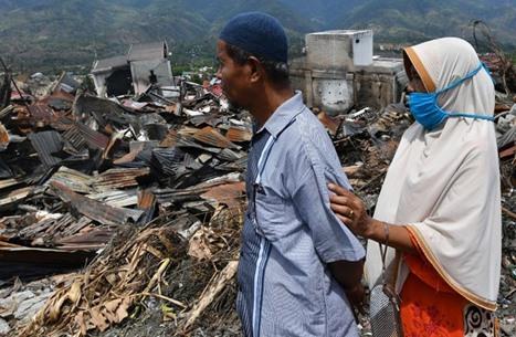 أكثر من 30 قتيلا جراء زلزال ضرب إندونيسيا