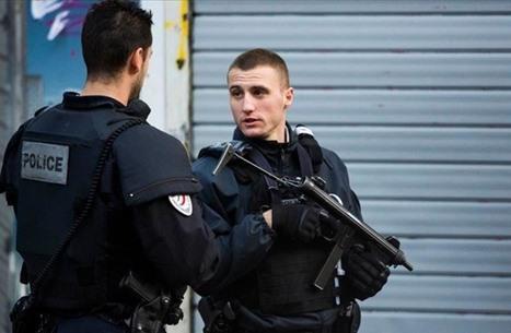 شرطة فرنسا تعتدي على تركيتين مع تصاعد الحملة ضد المسلمين